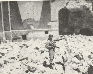 Arab_Legion_soldier_in_ruins_of_Hurva