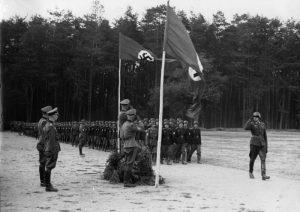 Wolga-Tataren beim Vorbeimarsch Foto H. Philipps Wehrbilderdienst Nr 488/34