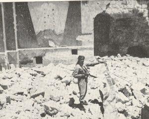 Arab_Legion_soldier_in_ruins_of_Hurva