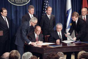 bosnian_president_alija_izetbegovic_and_croatian_president_franjo_tudjman_sign_the_croat-muslim_federation_peace_agreement_-_flickr_-_the_central_intelligence_agency